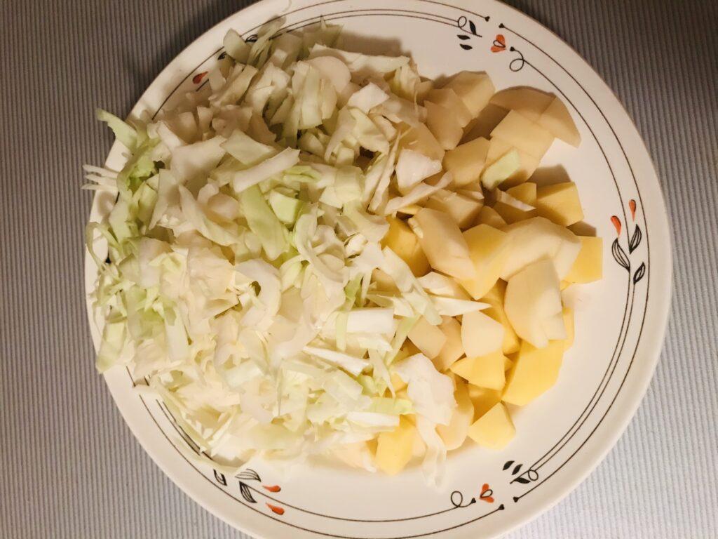 Фото рецепта - Борщ на бульоне из свиных рёбрышек - шаг 6