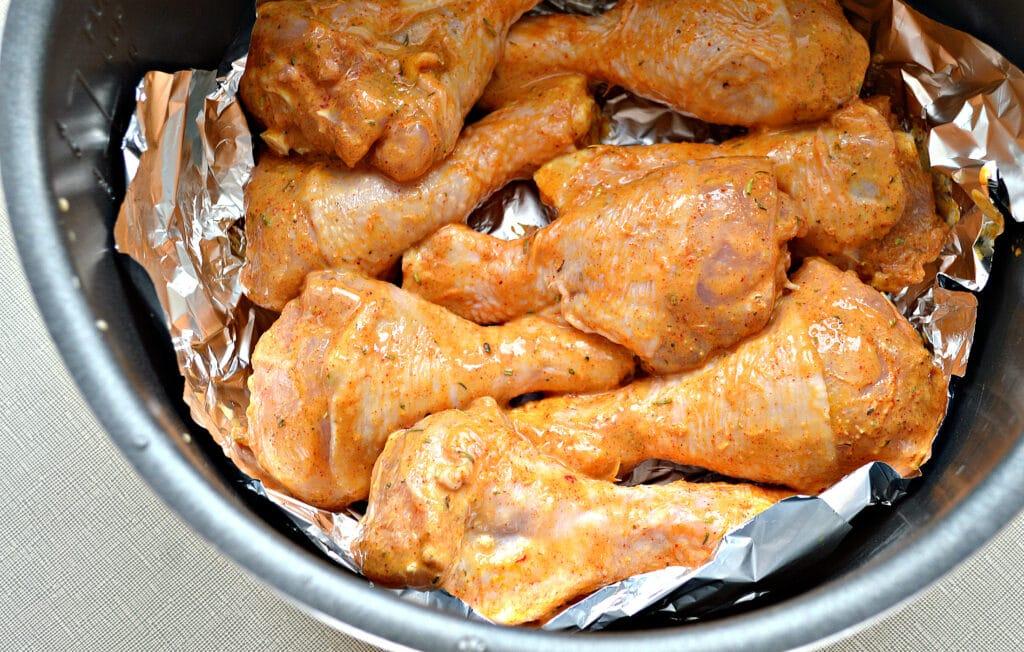 Фото рецепта - Куриные голени, запеченные в майонезе в мультиварке - шаг 5