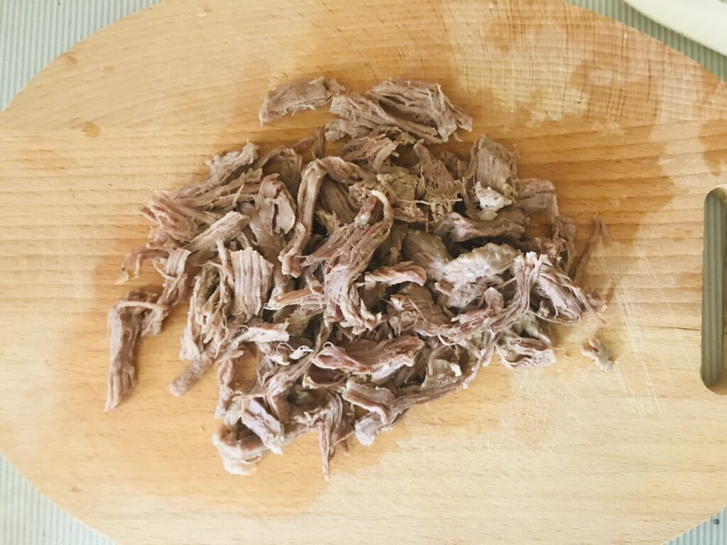 Фото рецепта - Суп на говяжьем бульоне  картофелем - шаг 4