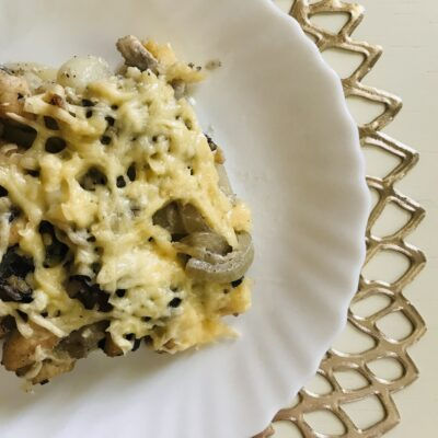 Картофельная запеканка с курицей и грибами - рецепт с фото