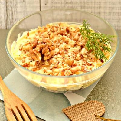 Слоеный салат с курицей и черносливом - рецепт с фото