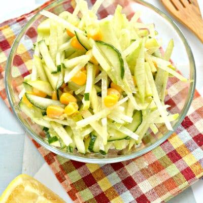 Салат из зеленой редьки с кукурузой - рецепт с фото