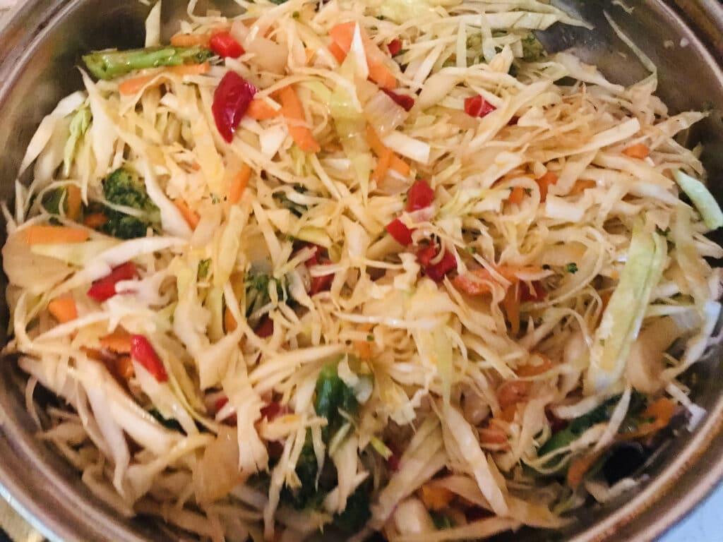 Фото рецепта - Тушеные овощи с рисом и сметаной - шаг 4