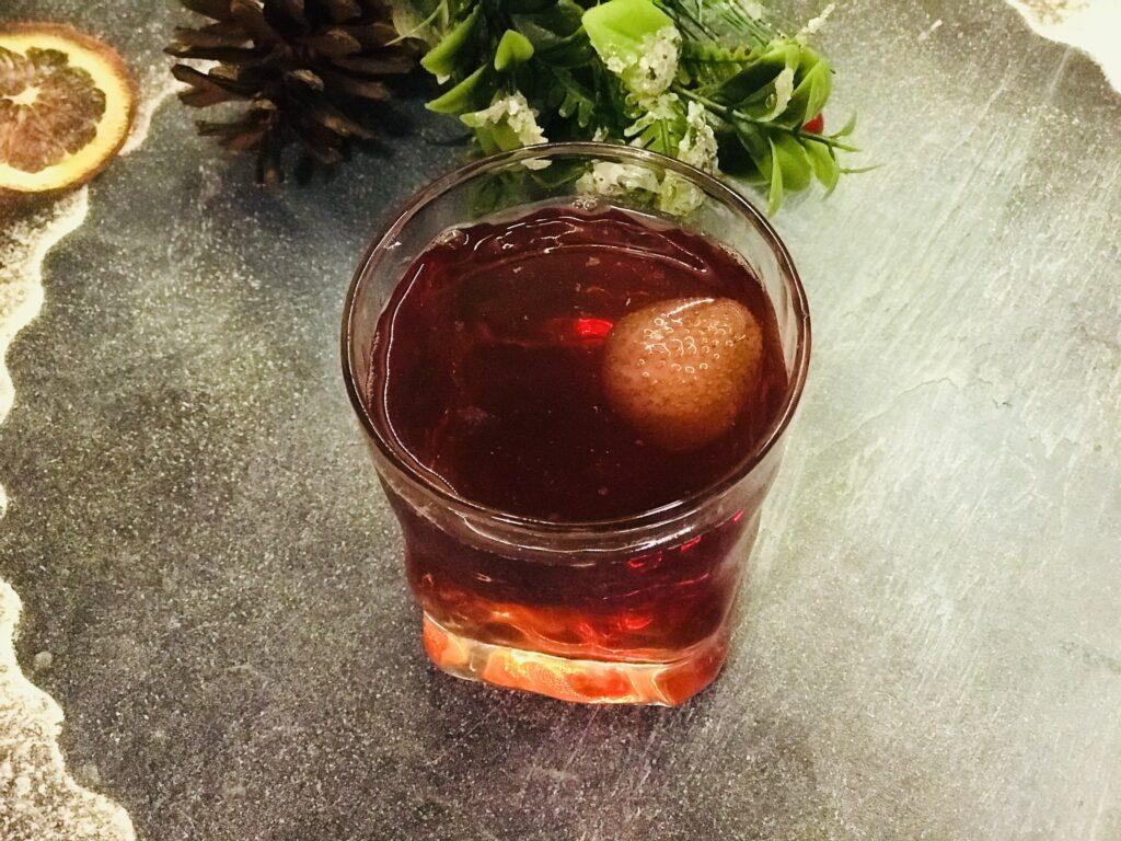 Фото рецепта - Компот из замороженной клубники и ягод - шаг 5
