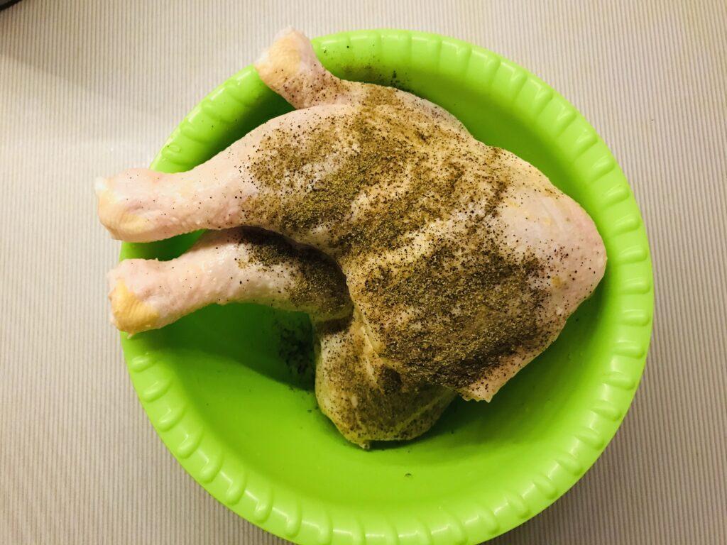 Фото рецепта - Запечённые куриные окорочка с чесноком - шаг 1