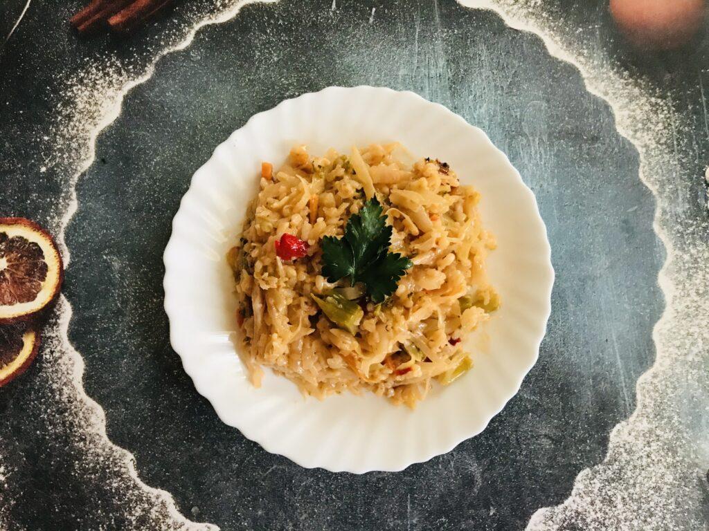 Фото рецепта - Тушеные овощи с рисом и сметаной - шаг 7