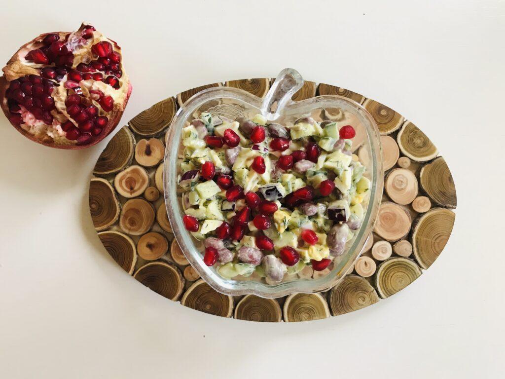 Фото рецепта - Овощной салат с гранатом - шаг 5