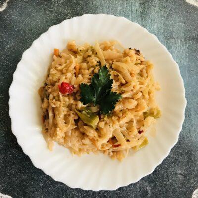 Тушеные овощи с рисом и сметаной - рецепт с фото