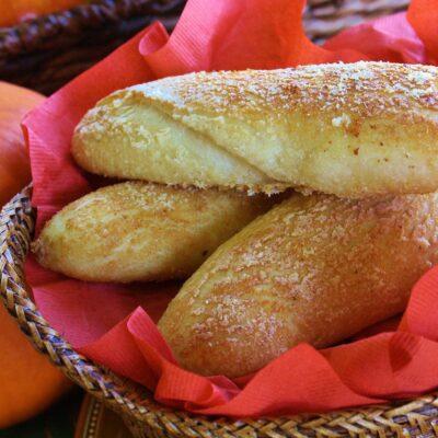 Хлебные палочки с сыром - рецепт с фото