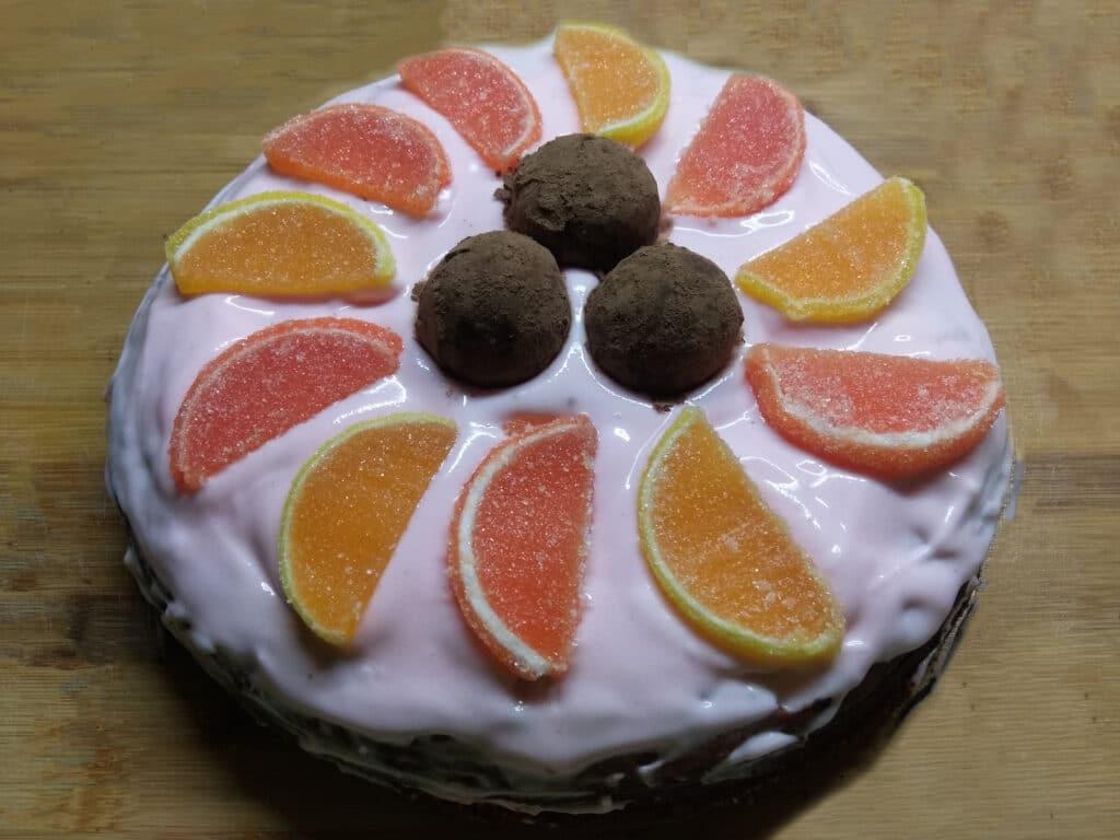 Фото рецепта - Быстрый торт из покупных бисквитов - шаг 7