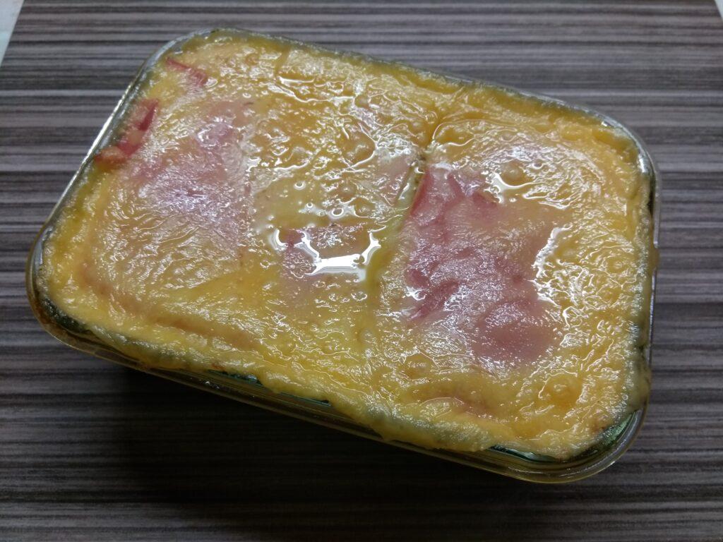 Фото рецепта - Картофельная запеканка с докторской колбасой и сыром - шаг 5