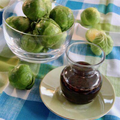 Соус медово-соевый с чесноком и имбирем - рецепт с фото