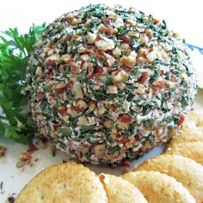 Сырный шар с тунцом и орешками (закуска) - рецепт с фото