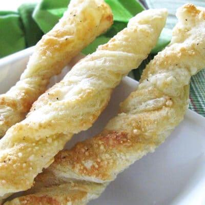 Хрустящие сырные твисты (булочки) - рецепт с фото