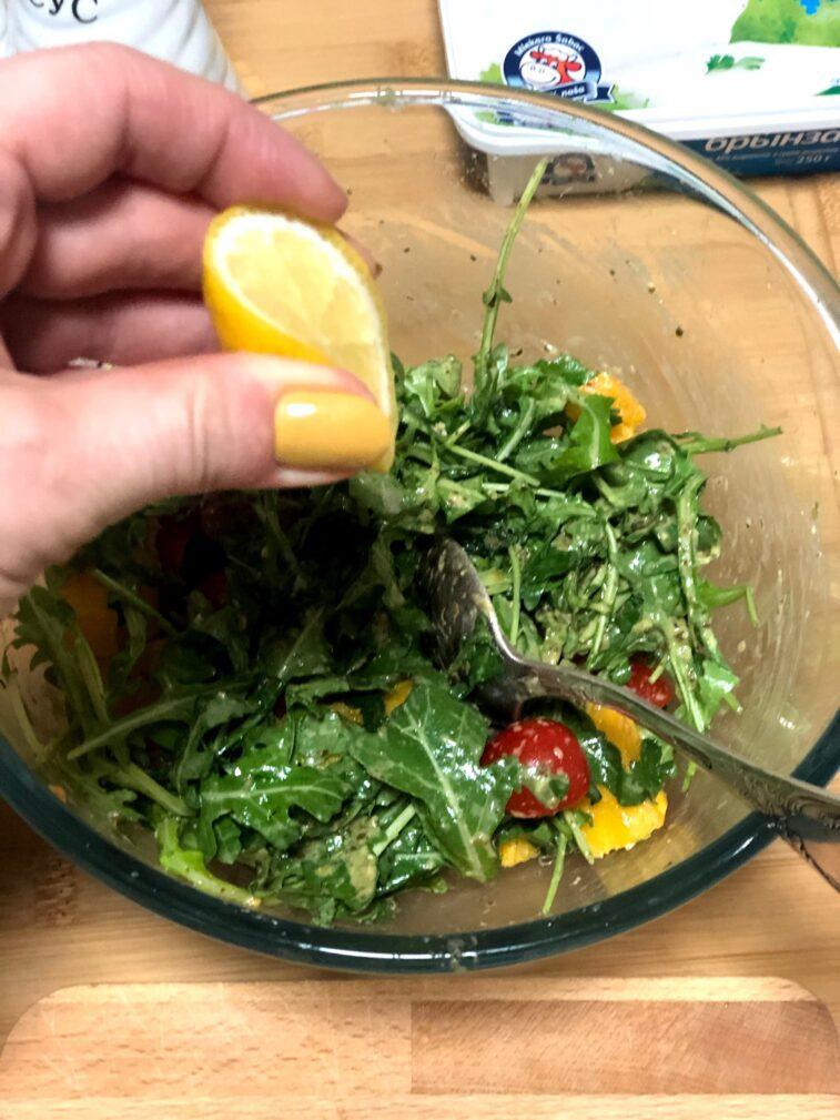 Фото рецепта - Диетический салат с печёной тыквой - шаг 7