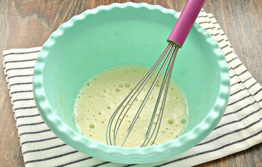 Фото рецепта - Заварные блинчики на топлёном молоке - шаг 1