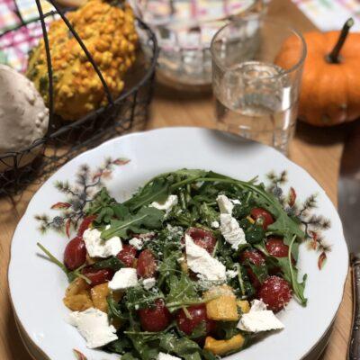 Диетический салат с печёной тыквой - рецепт с фото