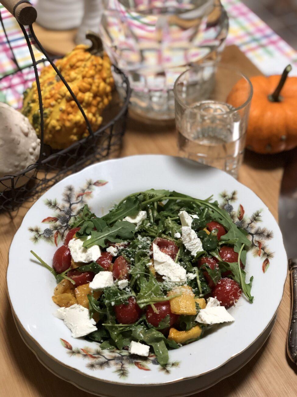 Диетический салат с печёной тыквой