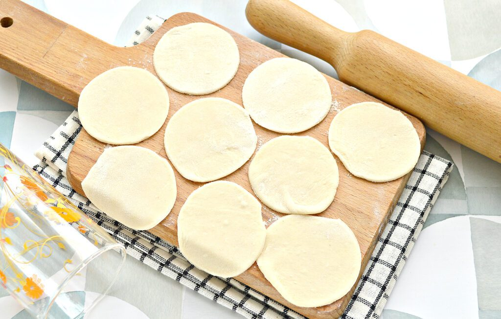 Фото рецепта - Пельмени с салом и индейкой - шаг 3