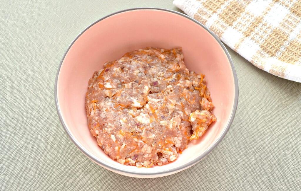 Фото рецепта - Пельмени с индейкой и тыквой - шаг 2