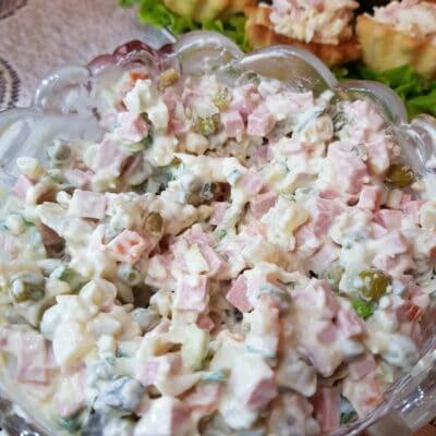 Традиционный салат Оливье - рецепт с фото