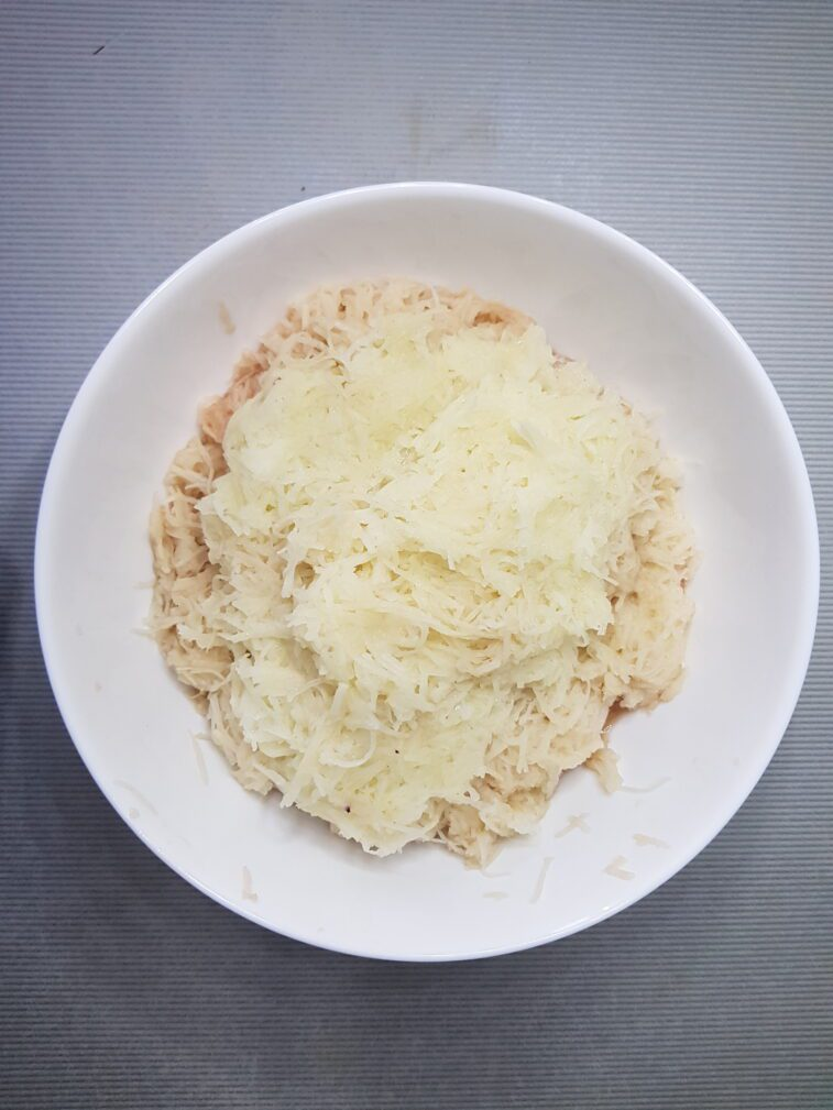 Фото рецепта - Картофельные оладьи - шаг 2