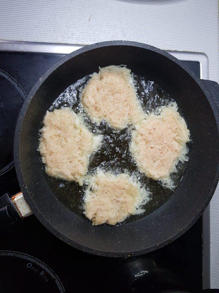 Фото рецепта - Картофельные оладьи - шаг 4