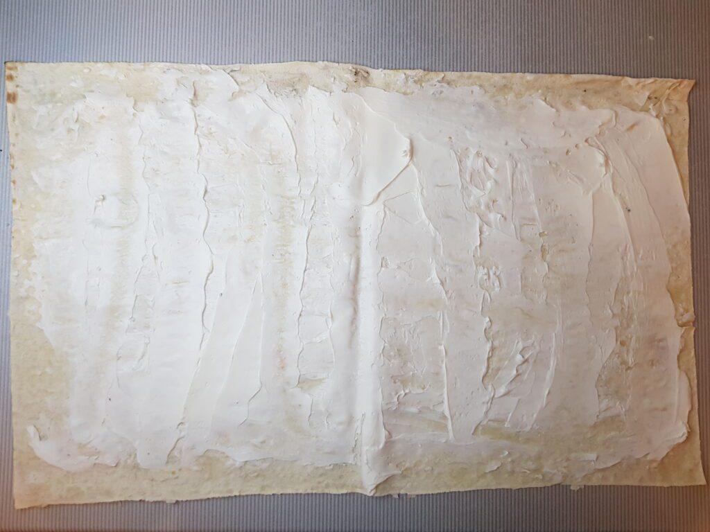 Фото рецепта - Ролл из лаваша и слабосолёной форели - шаг 2