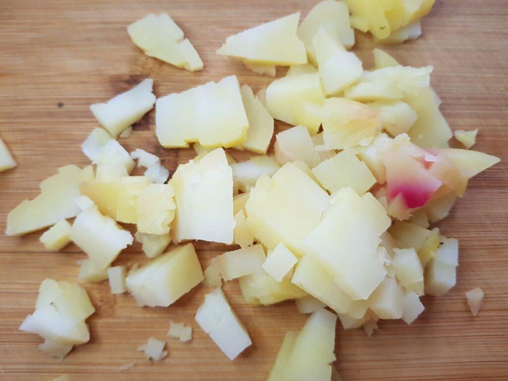 Фото рецепта - Винегрет с фасолью и маринованными огурцами - шаг 1