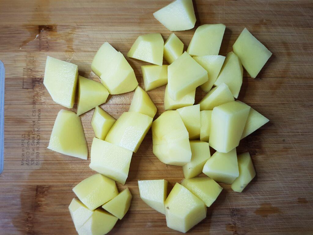 Фото рецепта - Картофель, тушеный со свининой - шаг 4
