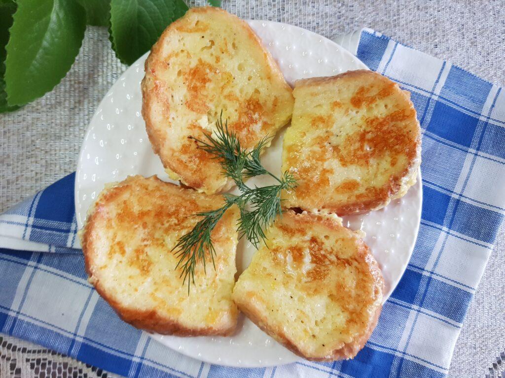 Фото рецепта - Гренки из белого хлеба с моцареллой на завтрак - шаг 7