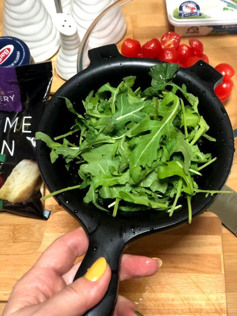 Фото рецепта - Диетический салат с печёной тыквой - шаг 6