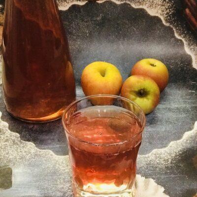 Компот из замороженного ассорти смородины и клубники - рецепт с фото