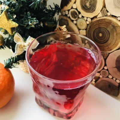 Компот из замороженных ягод и мандарина - рецепт с фото