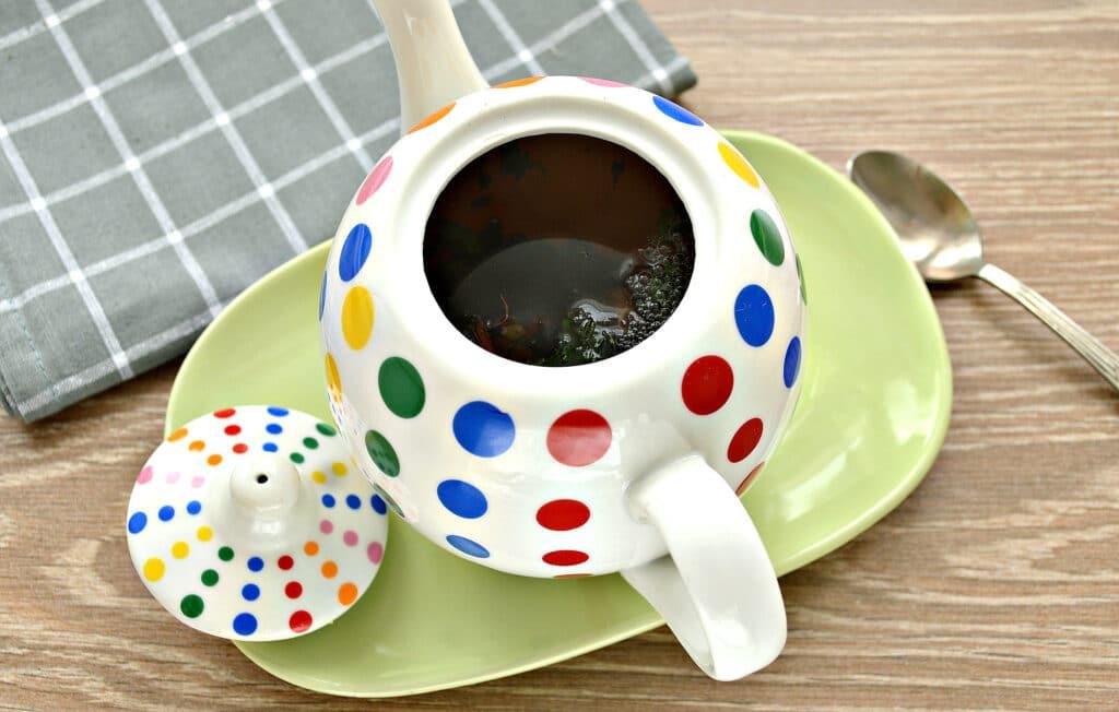 Фото рецепта - Чай с сушеной мятой и лимоном - шаг 3