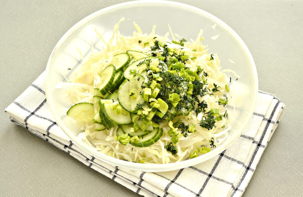 Фото рецепта - Капустный салат с уксусом - шаг 3