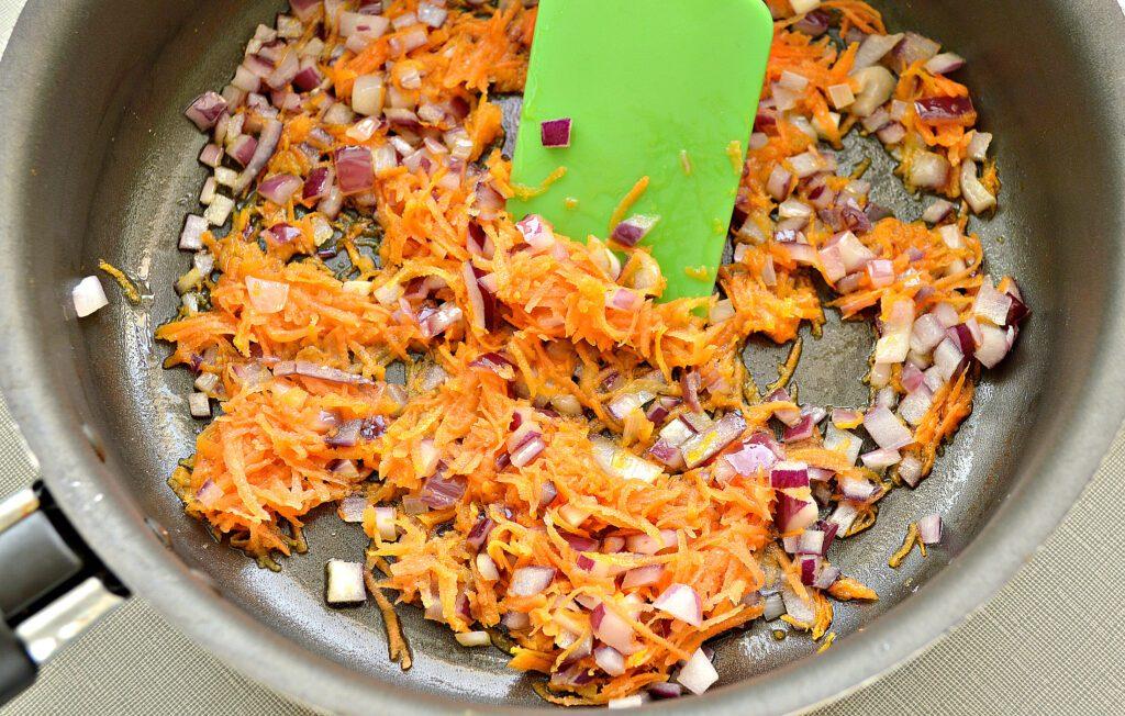Фото рецепта - Постный борщ со свеклой - шаг 4