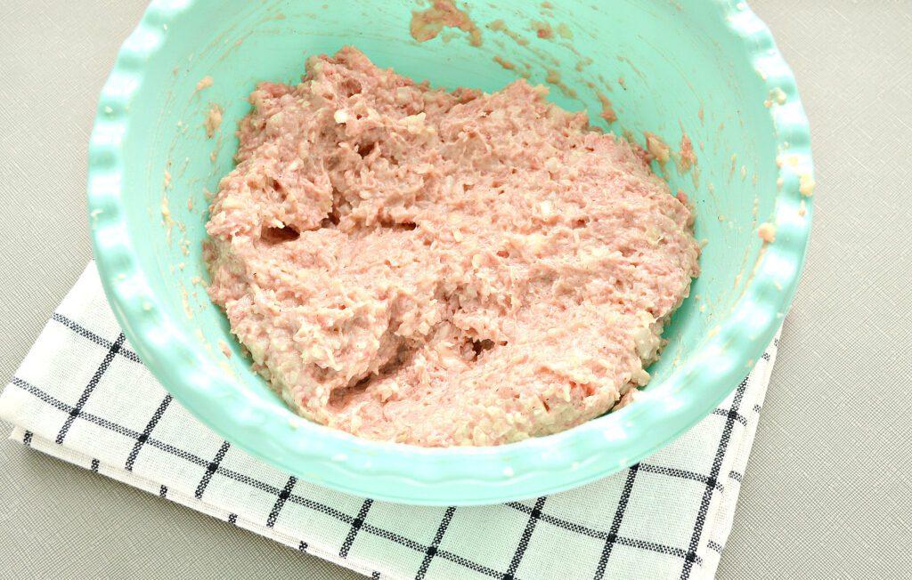 Фото рецепта - Мясные биточки с капустой - шаг 5