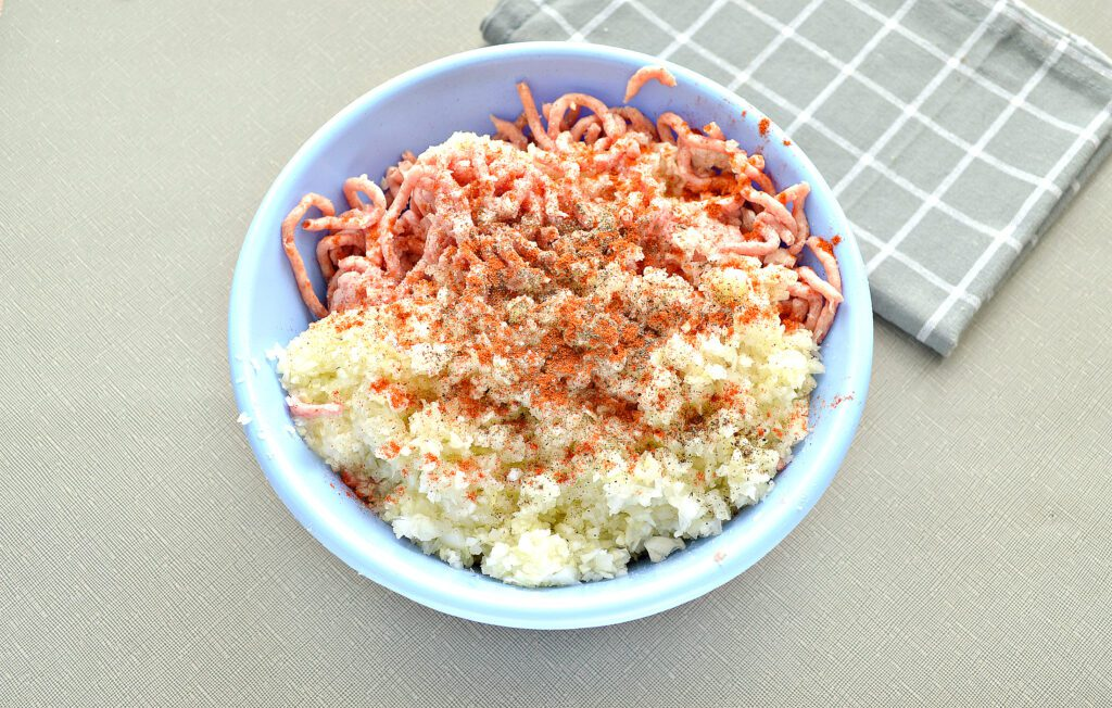 Фото рецепта - Начинка для мантов со свининой и капустой - шаг 5