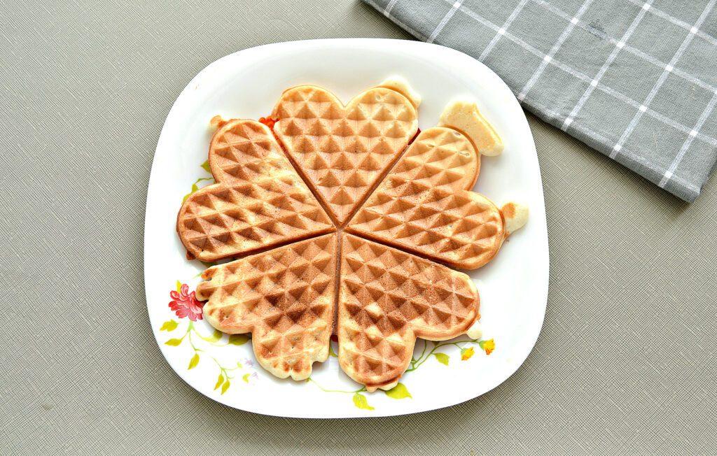 Фото рецепта - Мягкие венские вафли на сметане - шаг 5
