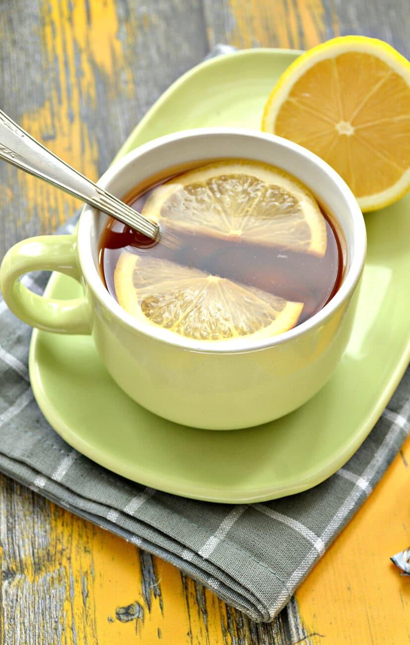 Чай с сушеной мятой и лимоном