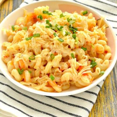 Макароны с помидорами и сыром на сковороде - рецепт с фото