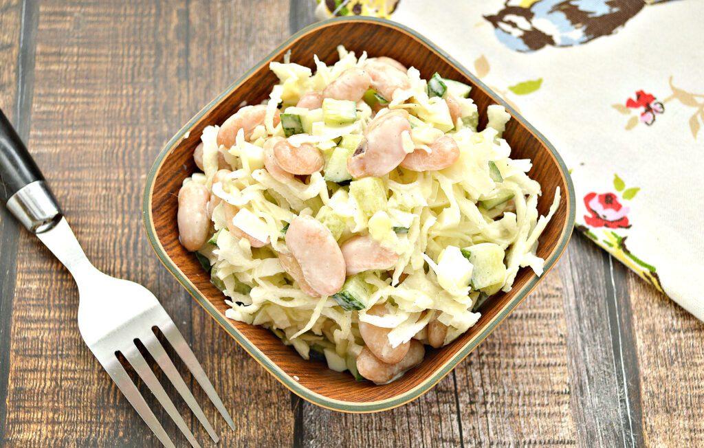 Фото рецепта - Салат с фасолью и свежим огурцом - шаг 6