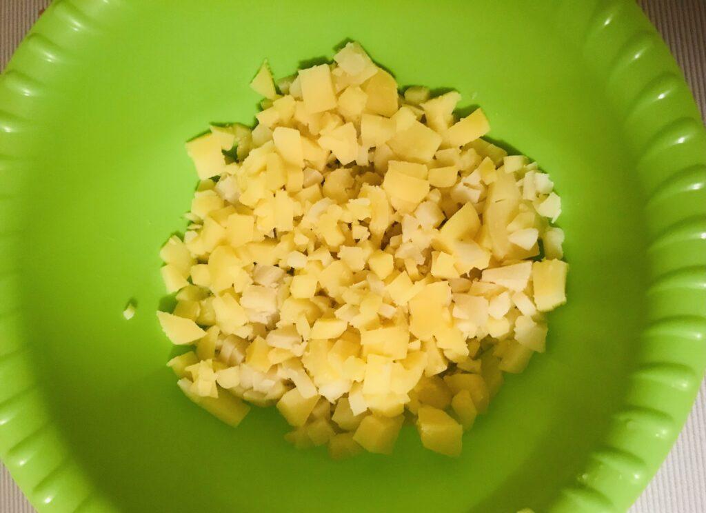 Фото рецепта - Вкусная окрошка на квасе - шаг 1