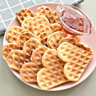 Мягкие венские вафли на сметане - рецепт с фото