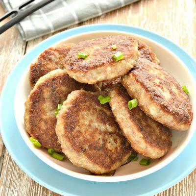 Мясные биточки с капустой - рецепт с фото