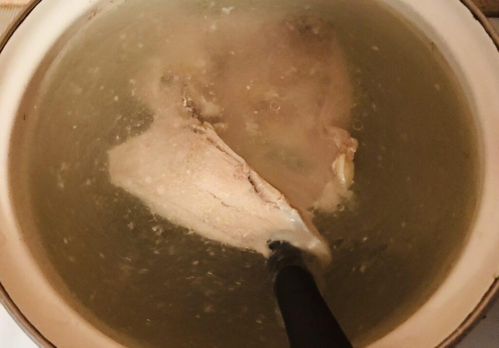 Фото рецепта - Грибной суп с гречкой на курином бульоне - шаг 1