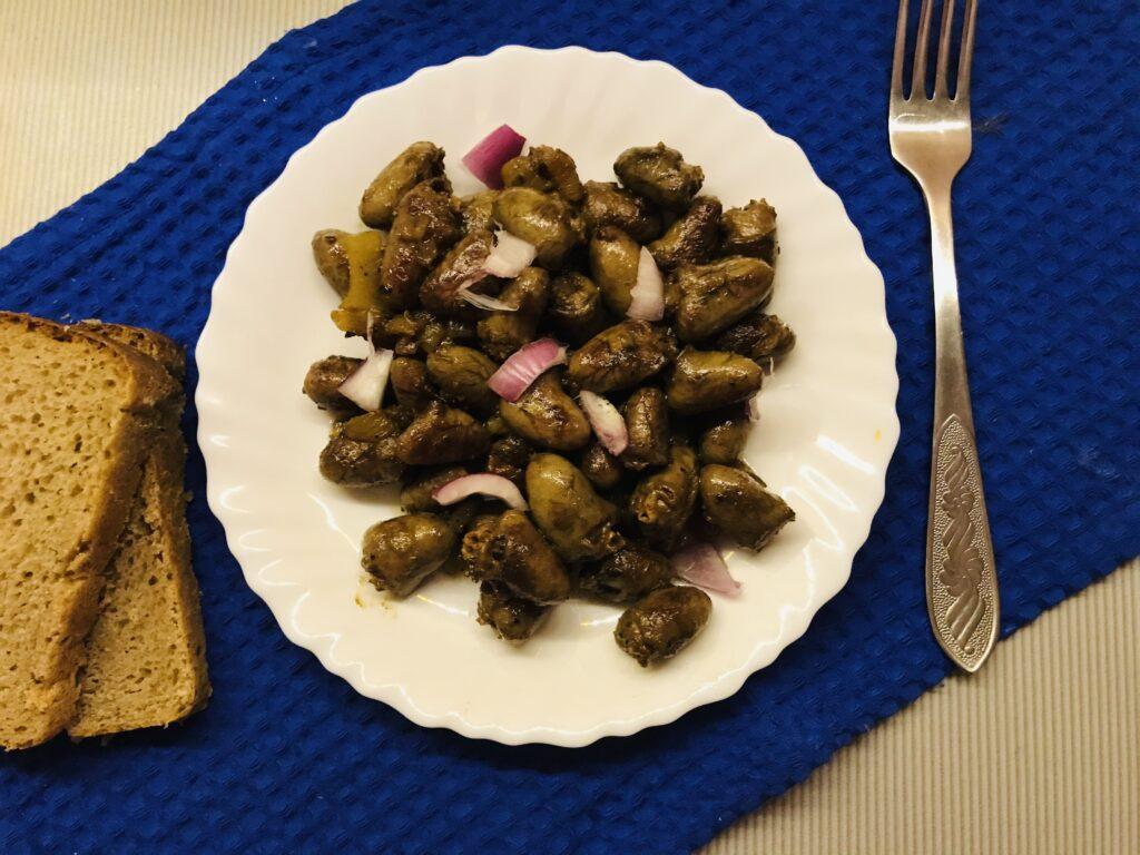 Фото рецепта - Жареные куриные сердечки без муки - шаг 5