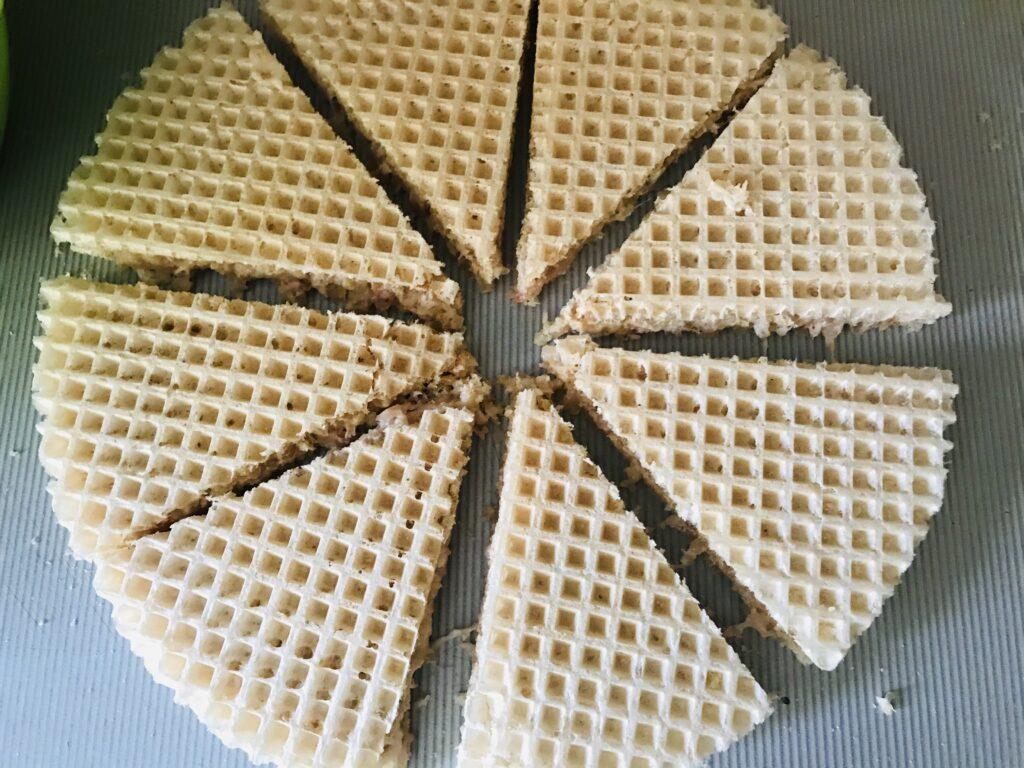 Фото рецепта - Вафельные треугольники с фаршем индейки - шаг 4