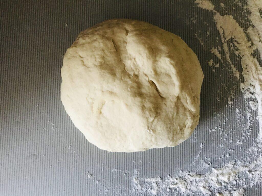 Фото рецепта - Домашняя пицца на дрожжевом тесте - шаг 2